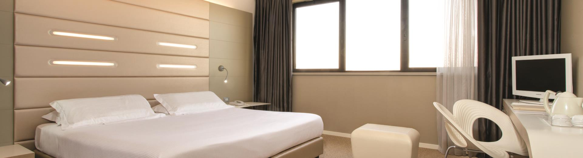 Standard Room - Tower Hotel Bologna 4 star