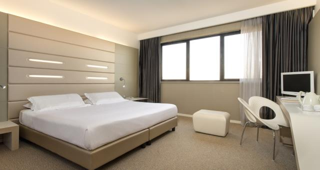 Camere hotel bologna best western plus tower hotel bologna for Camere hotel design
